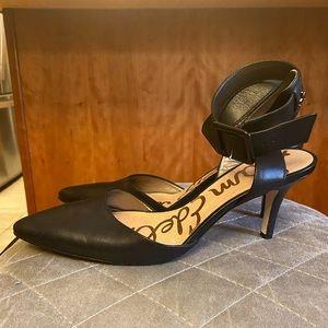 SAM EDELMAN • Black Closed Toe Pointy Low Heel